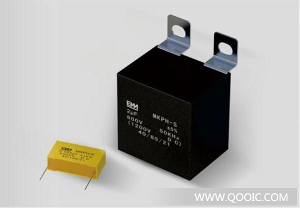 库ic网 电子元器件  电容器  产品说明 : 无感式结构,阻燃塑壳,环氧树